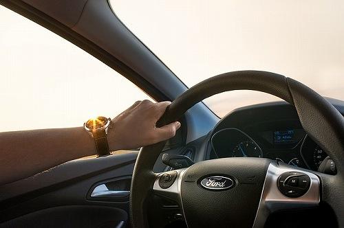 妊婦さんの運転はいつまでOK?シートベルトや振動・長時間ドライブは?